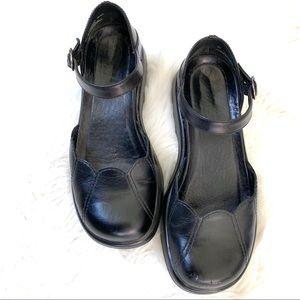Dansko lotus black leather Mary Jane shoes size 7